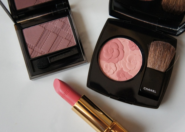 Rockin' a rosy vibe. From the left, Burberry eyeshadow single in Antique Rose; Chanel Rouge Allure lipstick in Séduisante; Jardin de Chanel blusher.