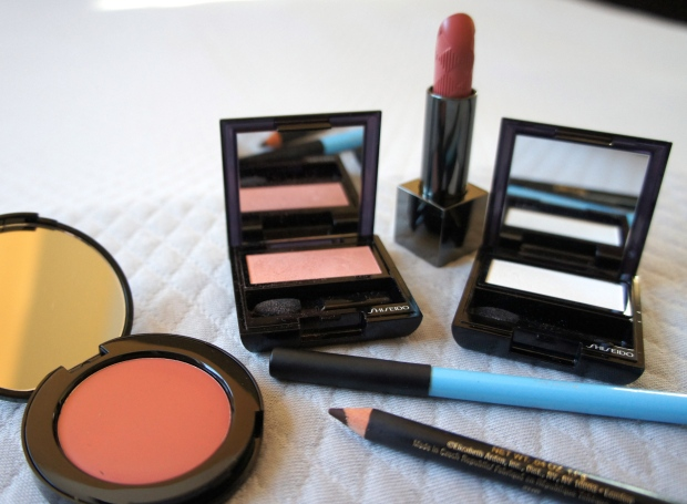 Garden party peachy-pinks. From the left, Bobbi Brown Pot Rouge in Powder Pink; Shiseido Luminizing Satin Eye Color PK 319; Burberry Lip Cover in Cameo; Shiseido Luminizing Satin Eye Color in WT907; Sigma Eye Liner Pencil in My Cloud; Elizabeth Arden Smoky Eye Pencil in Espresso.